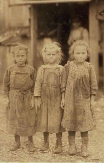 Six-year-old girls at South Carolina cannery in 1911.