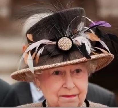 QE II hat-2