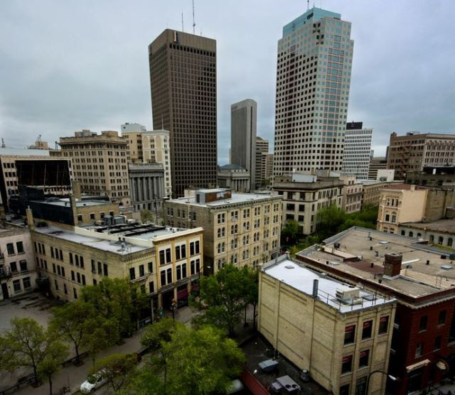 Downtown Winnipeg - lots of rooftop beeyards available.